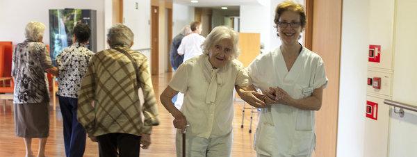 Más ancianos, menos residencias