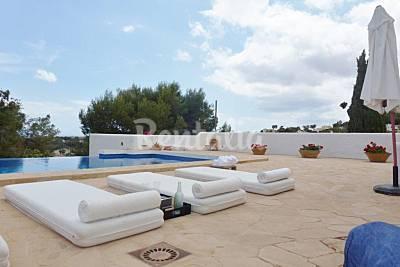 La Aldaba, lujosa villa ibicenca con vistas al mar Alicante