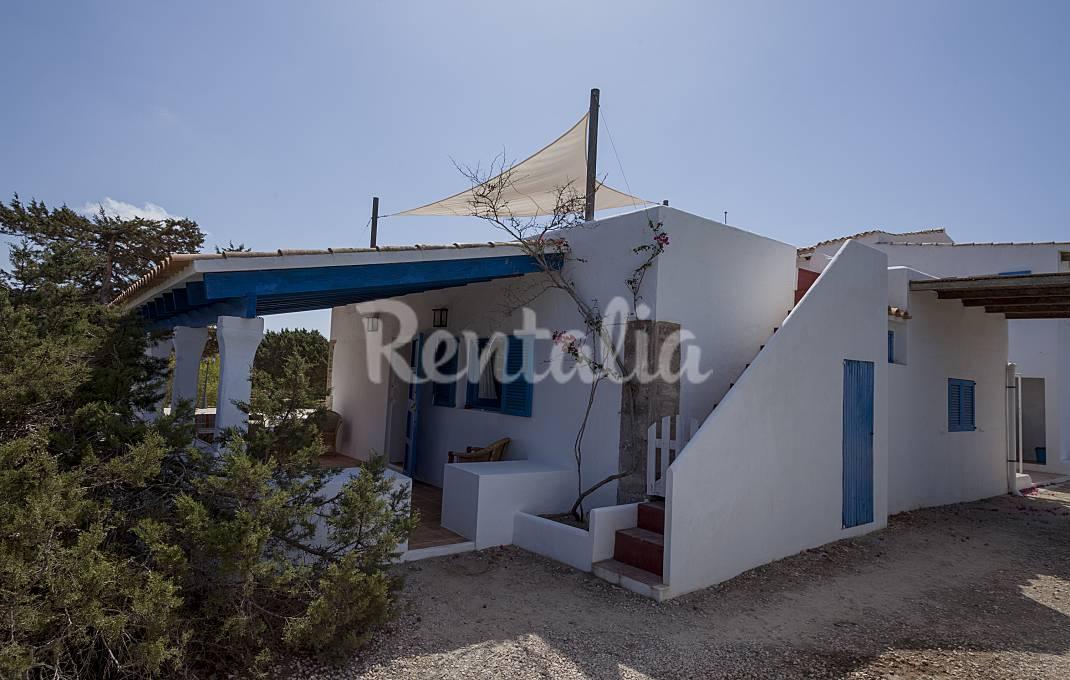 Masia Can Toni Blay casas de 4/6/8/10-20 pax Formentera
