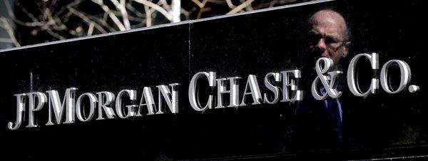 Mejora la confianza inversora española tras cuatro años en negativo