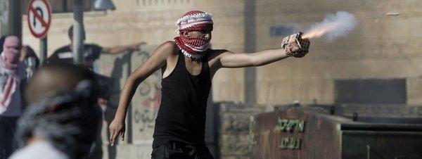 Violentos choques en Jerusalén tras la muerte de un joven palestino