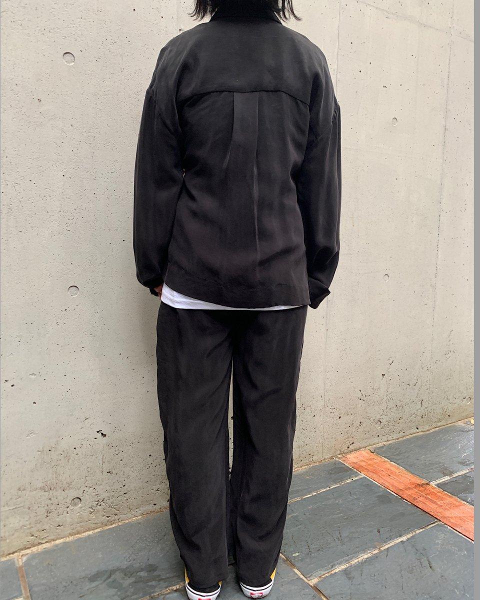 KkCo ブラックシャツジャケットの写真