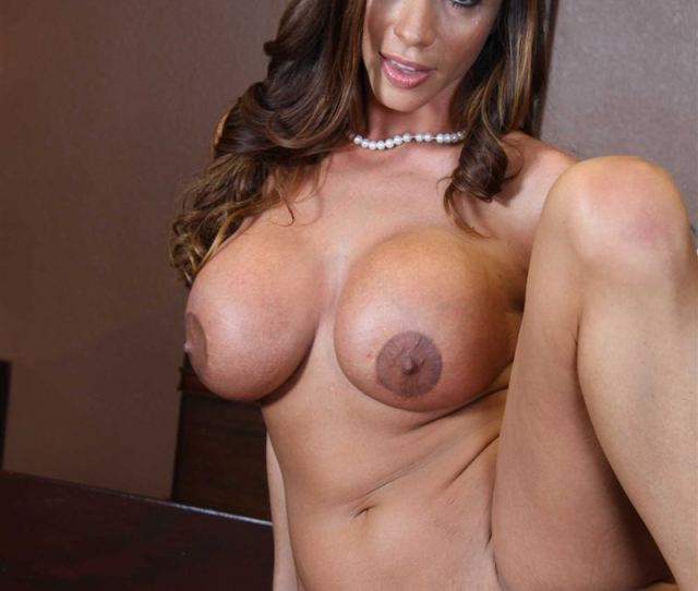 Ariella Ferrera Gets Screwed On A Desk In Her Business Suit Picture