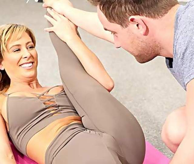 Sexual Fantasy At The Gym With A Fabulous Mom757
