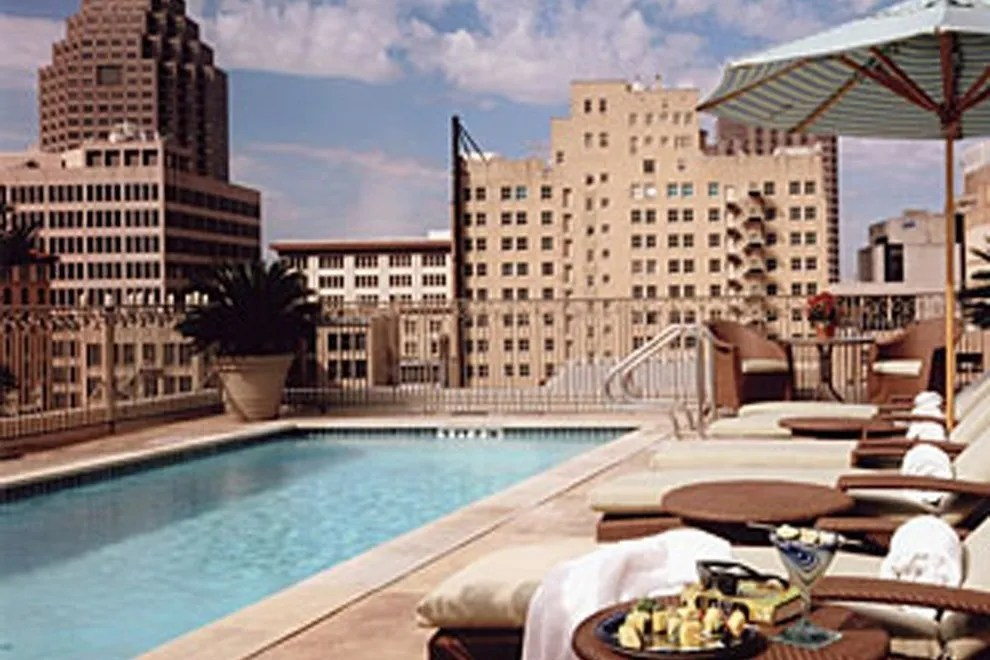 Riverwalk Hotels In San Antonio