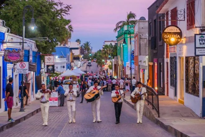 Gallery District in San Jose del Cabo: Cabo San Lucas Shopping ...