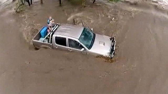 Северо-восток Австралии превратился в зону бедствия из-за проливных дождей и серии мощных торнадо