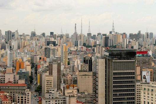 São Paulo - SP. Image Imagem via bienalesdearquitectura.es