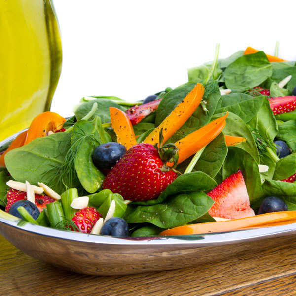 Spinach Salad with Strawberries and Blueberries