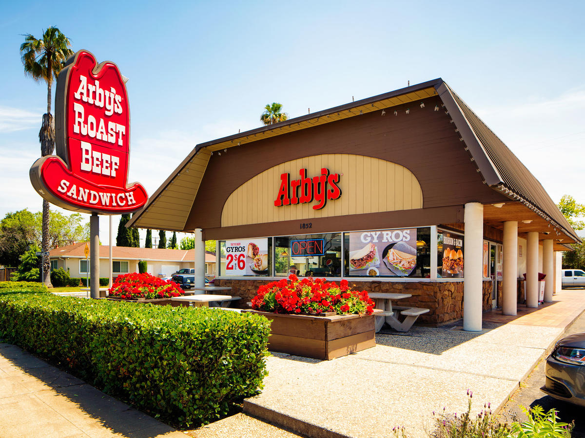 Healthiest Meal Choices At 35 Popular Chain Restaurants