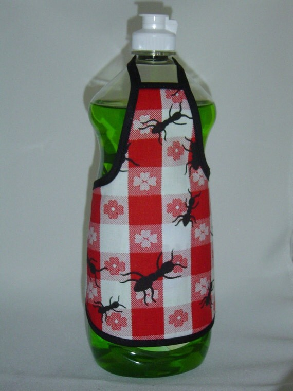 Ant Country Red Black Cute Dish Soap Bottle Apron Cover Dress