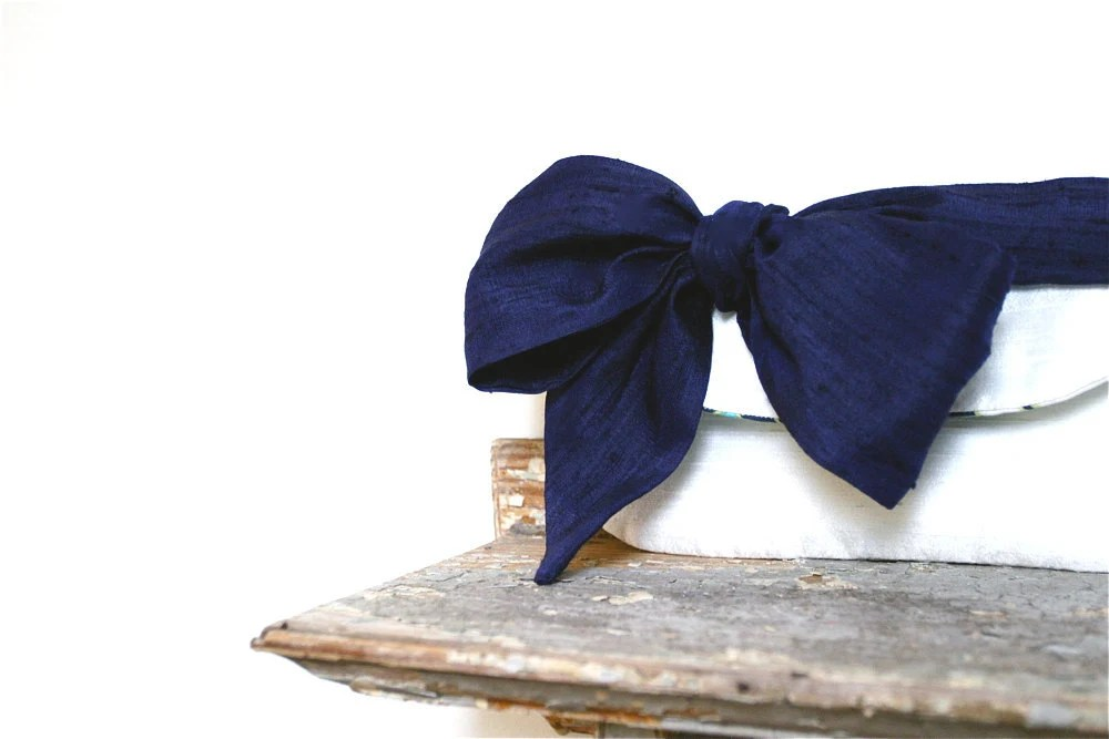 Navy blue and ivory wedding clutch, nautical beach theme wedding, bridesmaid purses - eclu