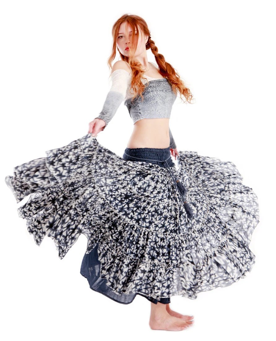 Star pattern long skirt, high end fluffy material, perfect for any outfit - Shovava