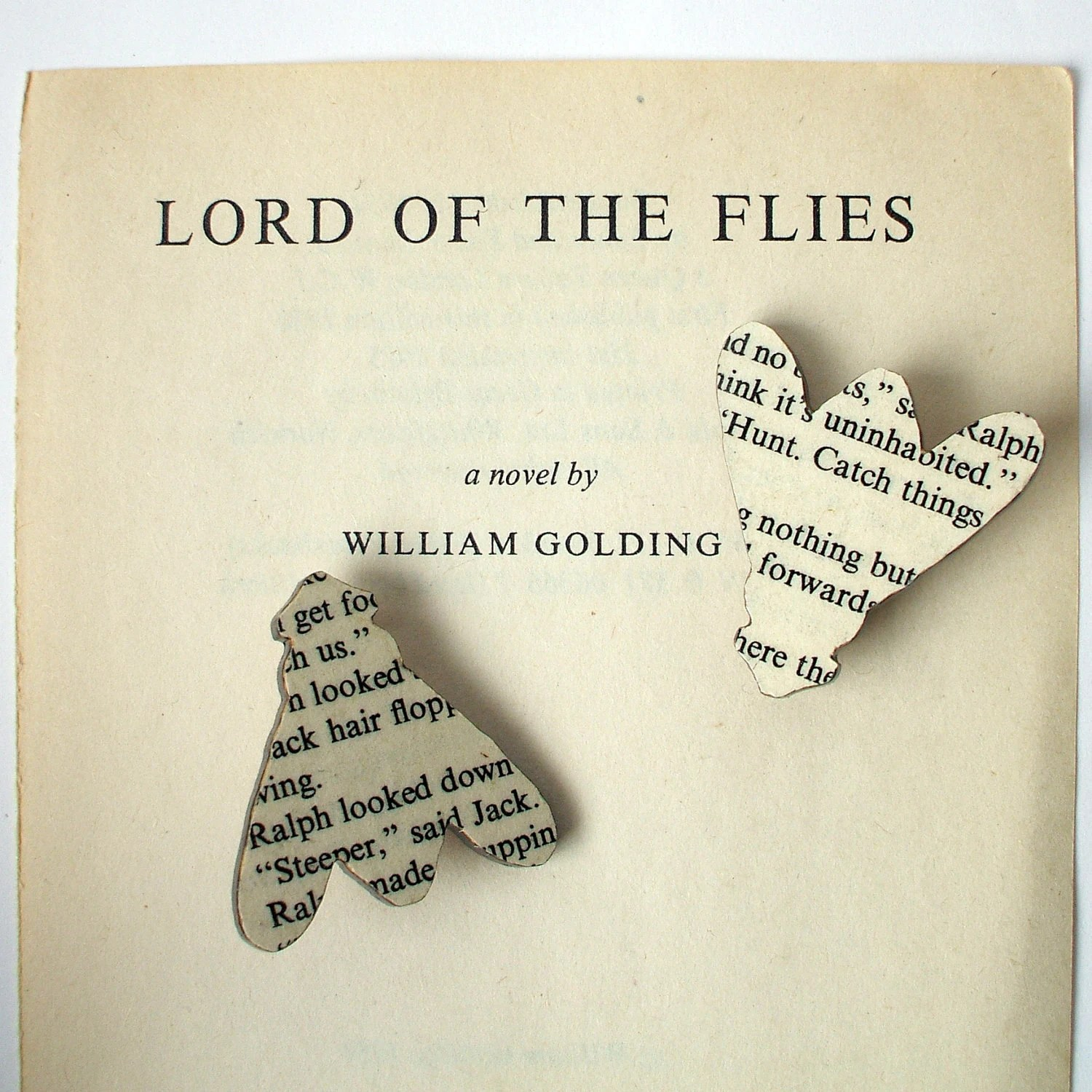 Lord of the Flies - Fly brooch. Classic book brooches made with original pages.