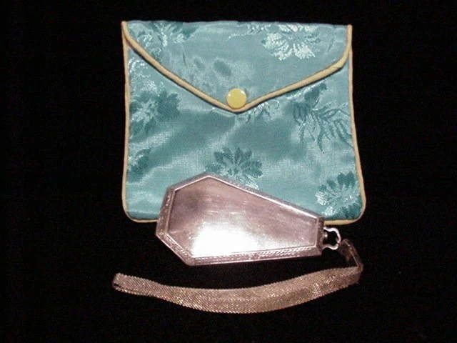 Vintage Compact Purse Dance Purse 1920s Powder Compact Coffin Purse Mirror Purse Wristlet Purse Silver Compact Powder Compact