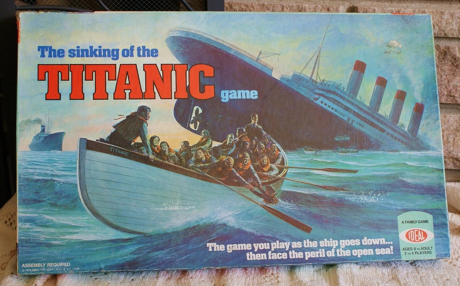 Vintage The Sinking Of The Titanic Board By Memorysaver