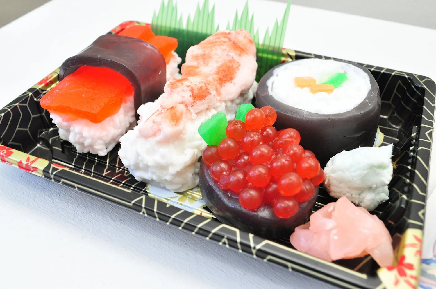 Sushi Soap Gift Set - Vegan Soap - food soap - Ginger Fizz Scented - Shrimp, Maki, Roe, Tuna in a real Sushi Take out Box - AubreyEApothecary