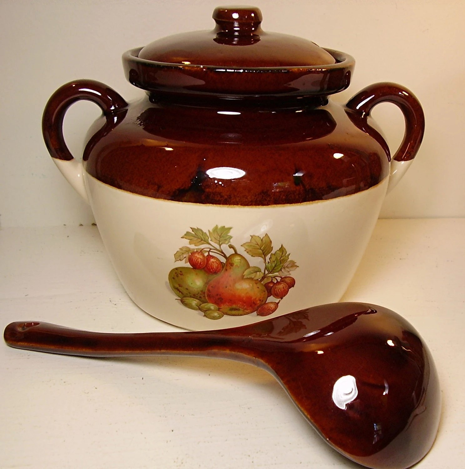 McCoy Pottery Bean Pot Tureen Covered Casserole With Ladle 342