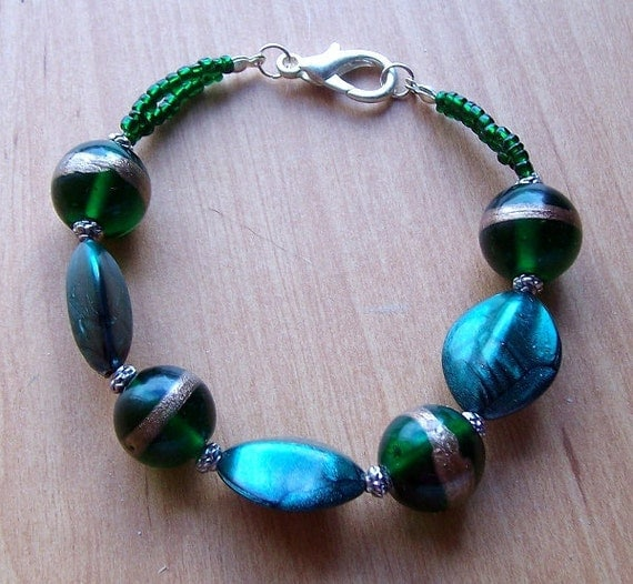 Chunky Green Glass Bead Bracelet
