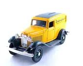 Yellow and Green Piggy Bank Truck - MissPattisAttic