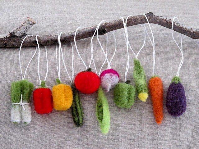 Christmas Tree Felted Vegetable Ornaments- Gift Set of 11 - MyLittleKawaii