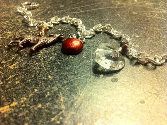 Twilight Bella's Charm Bracelet Wolf Heart and Apple