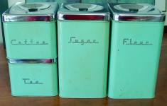 Deluxe Vintage Kitchen Canisters That Every Man Dream About