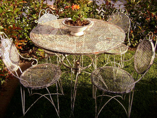 Vintage Bistro Set Wrought Iron Round Table And 4 Chairs