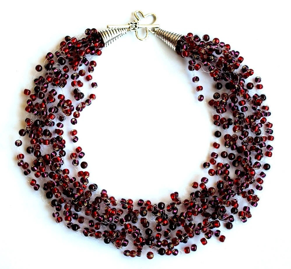 Dark red garnet crochet necklace with seed beads - JVglass