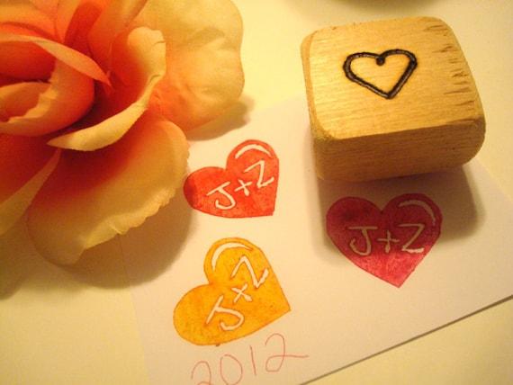 Hand Carved Initials Stamp for Wedding Save the Dates Wedding Invitations Envelopes Programs Guest Book Housewarming Engagement Bride - jkpegleg