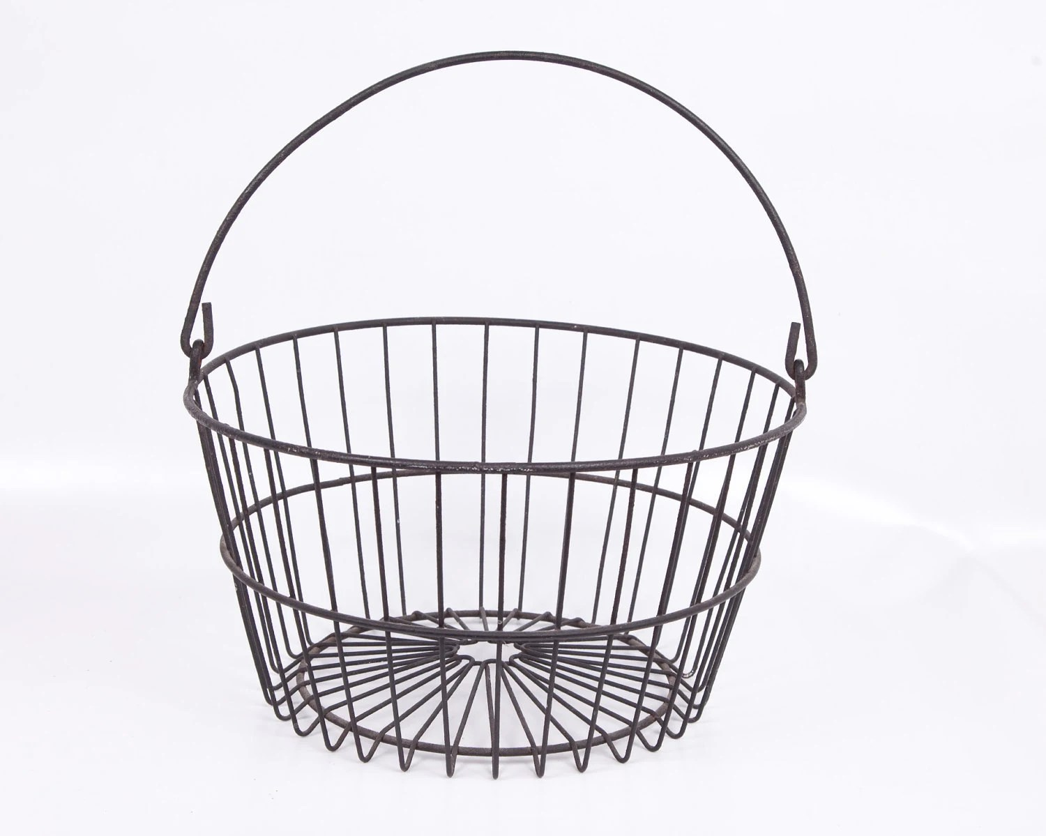 Vintage Metal Wire Egg Basket Black Bale Handle Apple Potato