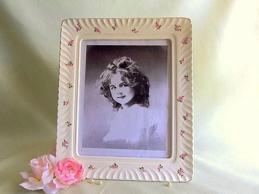 Vintage Shabby Chic Ceramic Picture Frame 8x10 With Hand