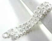 White Glass Pearls Bridal Bracelet - Wedding Jewelry - MegansBeadedDesigns