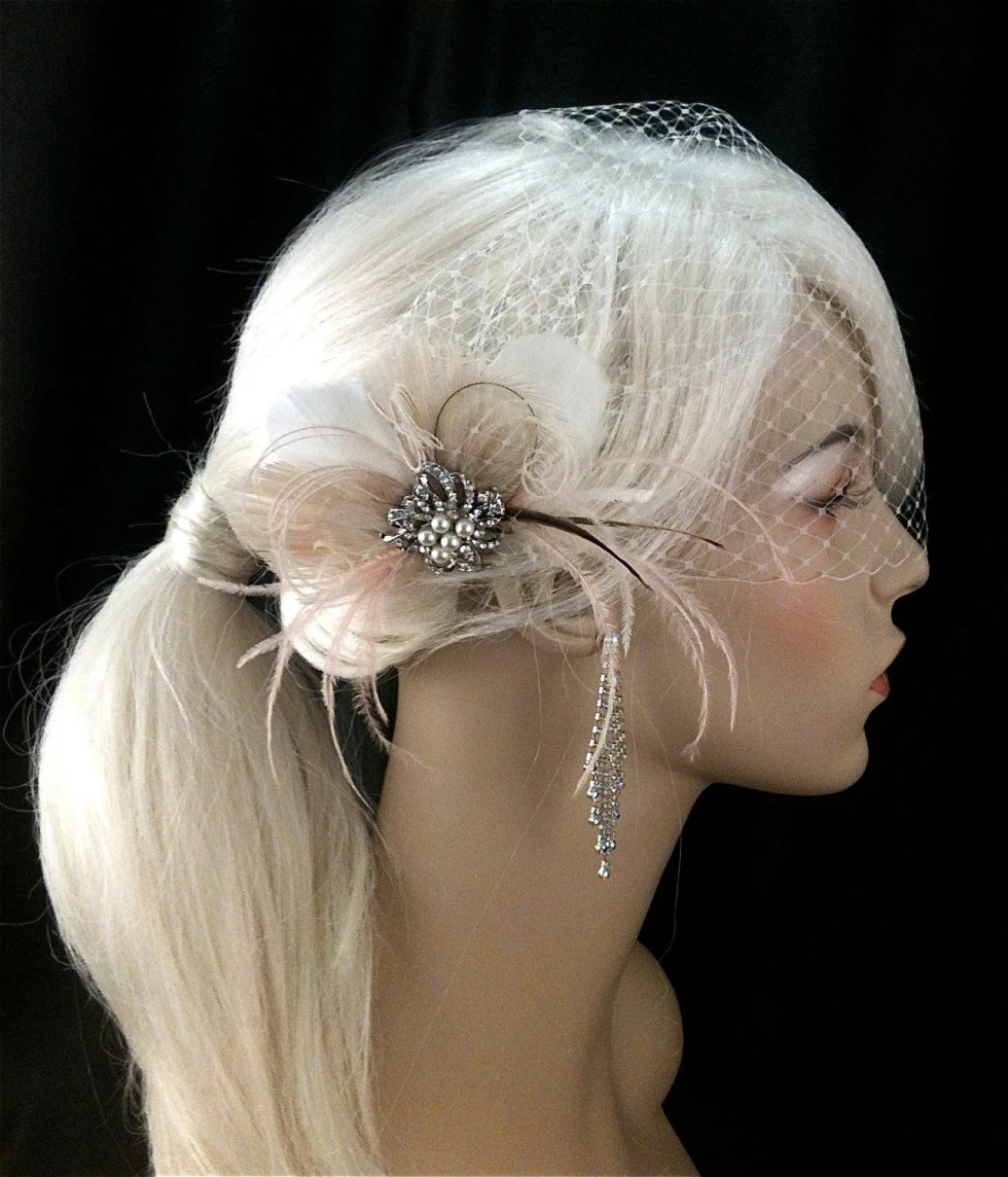 Bridal Feather Fascinator with Brooch, Bridal Fascinator, Wedding Hair Accessories, Bridal Veil, Ivory and Blush