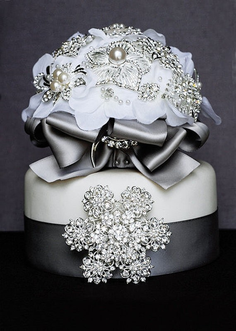 Items Similar To Vintage Bridal Rhinestone Crystal Brooch