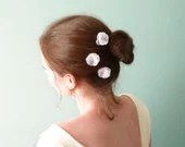 White organza flower hair sticks with Swarovski rhinestones Wedding accessories OOAK by Jye, Hand-made in France - Joliejye