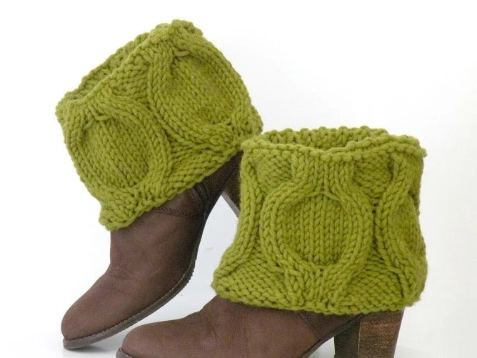 Hand Knit Winter Green Boot Covers, Short Woodland Boot Toppers - ArzuMusaKnitting