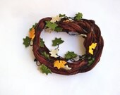 Autumn Leaves around Brown Silk Foulard Crochet Necklace - ReddApple