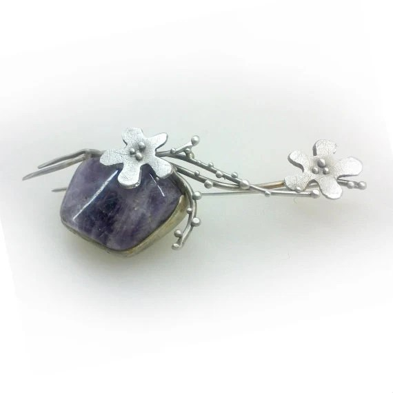 Flowers Brooch. Sterling silver with semi-precious stone, Amethyst. Matte finish, Contemporary, One of a kind. Spring Trends - applenamedD