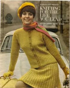 Vintage 1968 Knit Pattern Book - 'Patons' Mod