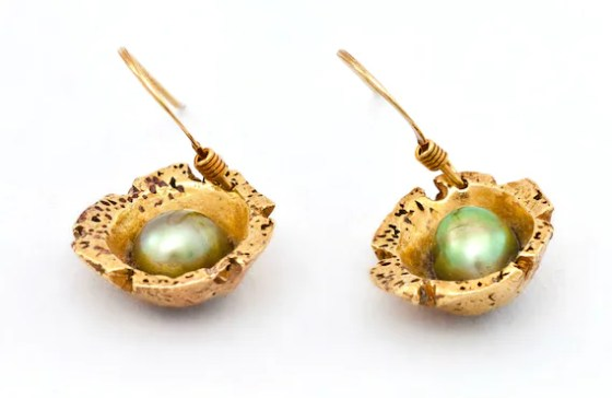 Gold shell earrings- CocoNaty