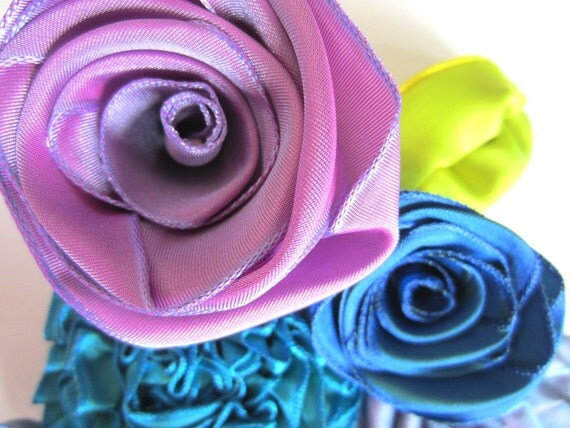 Loose ribbon flowers: 12-piece garden of roses, daisies, flowers & leaves -- make beautiful accessories for your hair, belt, shoes, or purse