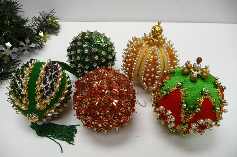 Five Ornaments Christmas Push Pin Sequins Beads Handmade