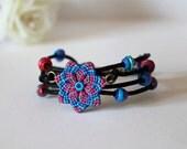 Braccialetto Macrame Fiore Mandala con perline boho blu rosso corallo viola