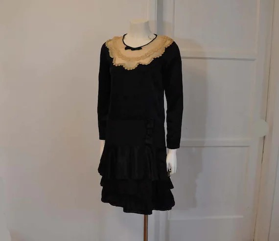 20s dress / So French Maid Vintage 1920's Black Silk Dress