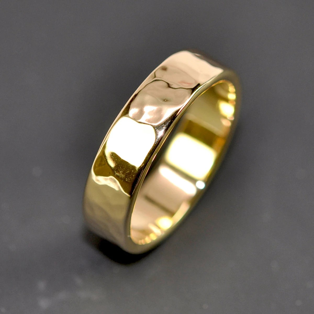 18K Yellow Gold Mens Wedding Band Hammered 5mm Ring Sea