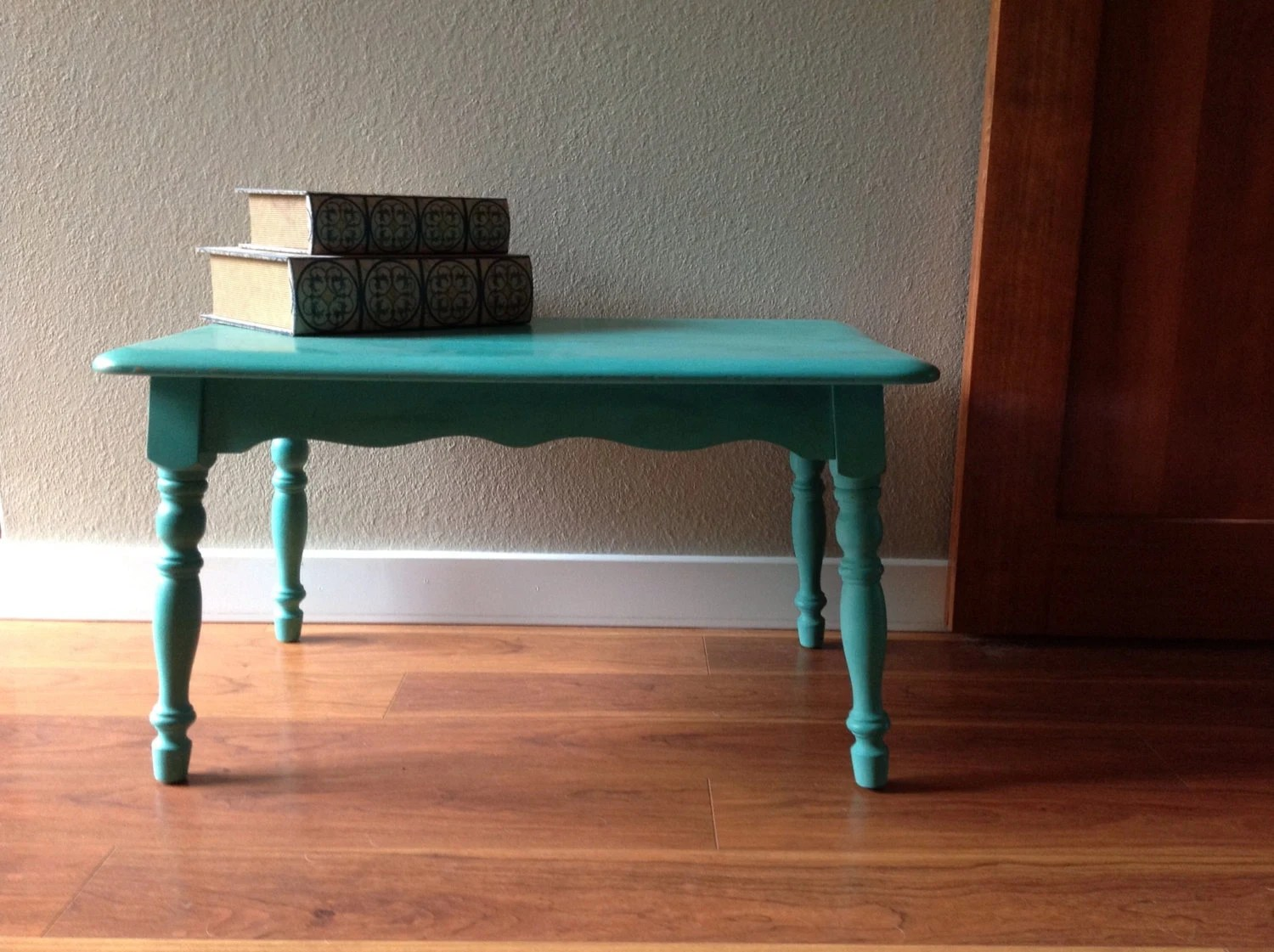 Shabby Chic Vintage Side or Coffee Table in Annie Sloan Florence - TheConcreteCottage