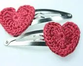 Crochet Heart Hair Clips in Pink Berry - NualaCrochet