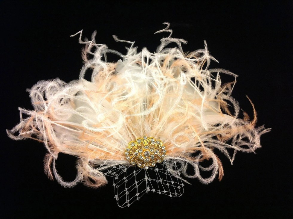 Bridal Feather Fascinator with Gold or Silver Brooch, Bridal Fascinator, Feather Fascinator, Fascinator, Bridal Veil, Blush