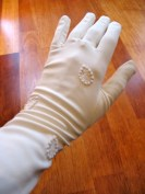 Vintage 1950s Cream 6-button Length Gloves